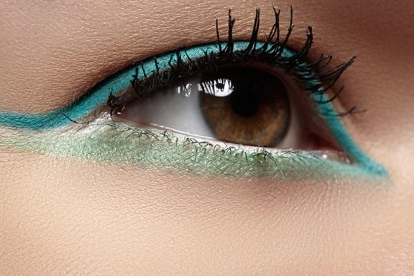 mavi eyeliner